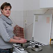 NLD/Nieuwegein/20120105 - Willeke, licht verstandelijk gehandicapte vrouw is bang dat de regring haa subsidie's stopzet,