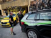 Bernard Hinault coach des cyclistes du team SKODA  amateur  pour participer a l'étape du tour quelques jours avant le tours de France 2017<br /> Preparation des véhicules le samedi matin