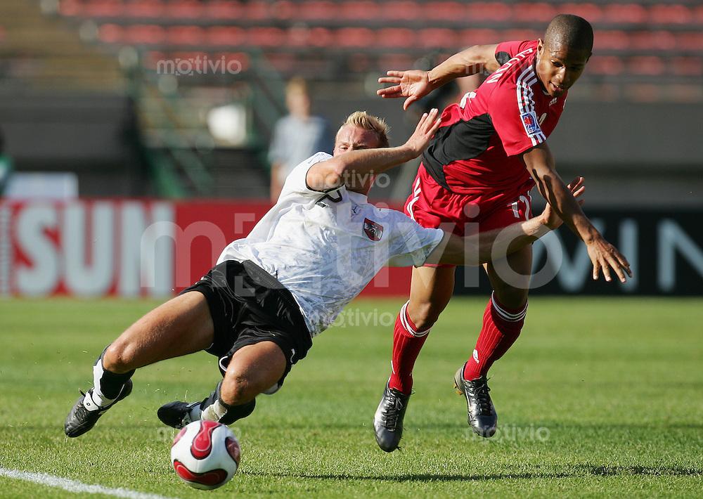 Fussball International U 20 WM  Oesterreich vs Canada Thomas PANNY (AUT, l) gegen Simeon JACKSON (CAN).
