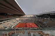 The rooftop Philippe Chatrier stadium is closing during the Roland Garros 2020, Grand Slam tennis tournament, on October 5, 2020 at Roland Garros stadium in Paris, France - Photo Stephane Allaman / ProSportsImages / DPPI