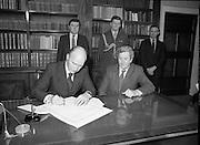 Dissolution of 22nd   Dáil Éireann 1982. .27/01/1982.01/27/82.27th January 1982.Image of the President, Patrick Hillary, singing warrant of dissolution of the Dáil. The signing was carried out at  Áras an Uachtaráin.