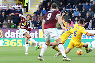 Jeff Hendrick of Burnley (l) tries a shot at goal. Premier League match, Burnley v Crystal Palace at Turf Moor in Burnley , Lancs on Saturday 5th November 2016.<br /> pic by Chris Stading, Andrew Orchard sports photography.