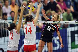 09.10.2010, Halle Berg Fidel, Muenster, GER, Vorbereitung Volleyball WM Frauen 2010, Laenderspiel Deutschland ( GER ) vs. Tuerkei ( TUR ), im Bild Esra Guemes (#12 TUR), Eda Erdem (#14 TUR) - Margareta Kozuch (#14). EXPA Pictures © 2010, PhotoCredit: EXPA/ nph/   Conny Kurth+++++ ATTENTION - OUT OF GER +++++