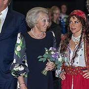 NLD/Leeuwarden/20180908 - Koning Willem Alexander en Beatrix aanwezig bij premiere de Stormruiter, Prinses Beatrix in gesprek met Ellen ten Damme