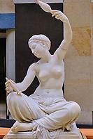France, Paris (75), zone classée Patrimoine Mondial de l'UNESCO, Musée d'Orsay, Jeune fille de Mégare, Ernest Barrias // France, Paris, Orsay museum, Ernest Barrias sculpture