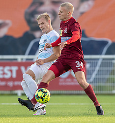 Philip Rejnhold (FC Helsingør) og Sebastian Denius (Skive IK) under kampen i 1. Division mellem FC Helsingør og Skive IK den 18. oktober 2020 på Helsingør Stadion (Foto: Claus Birch).