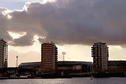 09-12-2006 ALGEMEEN: ROTTERDAM VANAF DE MAAS: ROTTERDAM<br /> De board of Executive Committee CEV waren uitgenodigd door Rotterdam, Rotterdam Topsport en de NeVoBo voor de uitleg van Operation Restore Confidence en kregen een tochtje over de Maas / Feyenoord Stadion de Kuip<br /> ©2006-WWW.FOTOHOOGENDOORN.NL