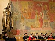 Verleihung eines Ehrendoktor Titels der Wissenschaften durch den akademischen Senat und wissenschaftlichen Rat im Prachtsaal des Karolinum. Das Karolinum ist ein Kulturdenkmal und Symbol der Karlsuniversitaet. Ab dem 14. Jahrhundert befand sich hier der Sitz des aeltesten Gebaeudes der Prager Universität. <br /> <br /> Conferment of a honorary doctorate in sciences at Charles University by the academy of sciences and the academic senat in Prague.