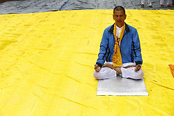 June 21, 2017 - Kathmandu, Nepal - A man performs Yoga exercises during International Yoga Day in Kathmandu, Nepal on June 21, 2017. (Credit Image: © Skanda Gautam via ZUMA Wire)