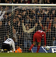 Fotball<br /> Premier League England<br /> 2004/2005<br /> 16.10.2004<br /> Foto: BPI/Digitalsport<br /> NORWAY ONLY<br /> <br /> Fulham v Liverpool<br /> <br /> Luis Boa Morte makes it 1-0