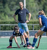 AMSTELVEEN -  coach Daan Sabel (Pinoke) voor de oefenwedstrijd tussen de dames van Bloemendaal en Pinoke   ter voorbereiding van het hoofdklasse hockeyseizoen 2020-2021.  COPYRIGHT KOEN SUYK