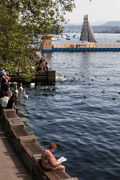 Suisse, Canton de Zurich, ville de Zurich, les bord du lac sur le quai Utoquai // Switzerland, Zurich canton, city of Zurich, on the lake front side, the Utoquay quay