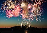 http://Duncan.co/july-4th-2017-fireworks-at-boldt-castle