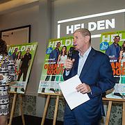 NLD/Amsterdam/20140507 - Presentatie Helden Magazine nr. 22, Barbara Barend en haar vader Frits Barend
