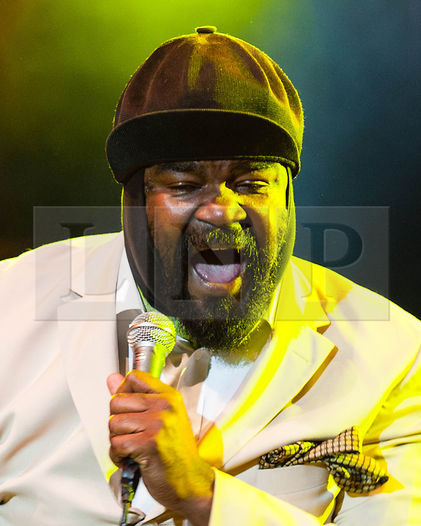 """© Licensed to London News Pictures. 03/3/2014. London, UK.   The american jazz musician Gregory Porter, who this year won a Grammy for Best Jazz Vocal Album with """"Liquid Spirit"""" and is about to begin a live tour of the UK, performing in London in 2012 with Jools Holland at Somerset House.  FILE PICTURE DATED 22/7/12.   Photo credit : Richard Isaac/LNP"""