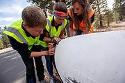 Bij Chester, Californië, test het team de Velox.. Het Human Power Team Delft en Amsterdam, dat bestaat uit studenten van de TU Delft en de VU Amsterdam, is in Amerika om tijdens de World Human Powered Speed Challenge in Nevada een poging te doen het wereldrecord snelfietsen voor vrouwen te verbreken met de VeloX 8, een gestroomlijnde ligfiets. Het record is met 121,81 km/h sinds 2010 in handen van de Francaise Barbara Buatois. De Canadees Todd Reichert is de snelste man met 144,17 km/h sinds 2016.<br /> <br /> With the VeloX 8, a special recumbent bike, the Human Power Team Delft and Amsterdam, consisting of students of the TU Delft and the VU Amsterdam, wants to set a new woman's world record cycling in September at the World Human Powered Speed Challenge in Nevada. The current speed record is 121,81 km/h, set in 2010 by Barbara Buatois. The fastest man is Todd Reichert with 144,17 km/h.