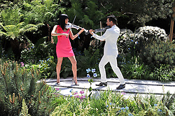 LINZI STOPPARD and BEN LEE at the 2011 RHS Chelsea Flower Show VIP & Press Day at the Royal Hospital Chelsea, London, on 23rd May 2011.