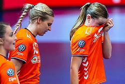 Danick Snelder of Netherlands, Bo van Wetering of Netherlandsduring the Women's EHF Euro 2020 match between Netherlands and Germany at Sydbank Arena on december 14, 2020 in Kolding, Denmark (Photo by RHF Agency/Ronald Hoogendoorn)