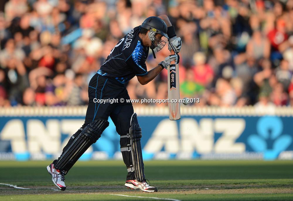 Ross Taylor batting. ANZ T20 Series. 2nd Twenty20 Cricket International. New Zealand Black Caps versus England at Seddon Park, Hamilton, New Zealand. Tuesday 12 February 2013. Photo: Andrew Cornaga/Photosport.co.nz