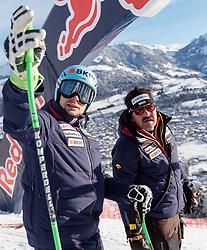 20.01.2018, Hahnenkamm, Kitzbühel, AUT, FIS Weltcup Ski Alpin, Kitzbuehel, Abfahrt, Herren, im Bild v.l. Patrick Kueng (SUI), Thomas Stauffer (DSV Cheftrainer Ski Alpin Herren) // f.l. Patrick Kueng of Switzerland Thomas Stauffer DSV Head Coach Alpine Skiing during the course inspection for the men's Downhill of FIS Ski Alpine World Cup at the Hahnenkamm in Kitzbühel, Austria on 2018/01/20. EXPA Pictures © 2018, PhotoCredit: EXPA/ Johann Groder