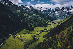 THEMENBILD - Fuscher Tal Übersicht Talschluss. Die Hochalpenstrasse verbindet die beiden Bundeslaender Salzburg und Kaernten und ist als Erlebnisstrasse vorrangig von touristischer Bedeutung, aufgenommen am 11. Juni 2020 in Fusch a.d. Glstr., Österreich // Fuscher valley overview valley end. The High Alpine Road connects the two provinces of Salzburg and Carinthia and is as an adventure road priority of tourist interest, Fusch a.d. Glstr., Austria on 2020/06/11. EXPA Pictures © 2020, PhotoCredit: EXPA/ JFK