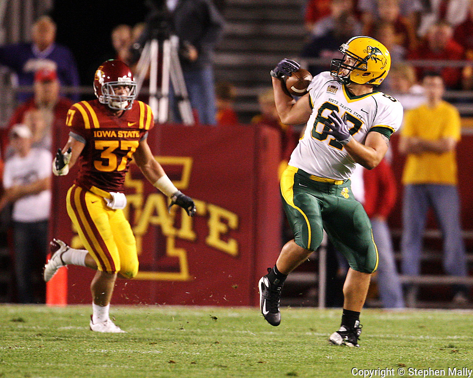 September 3, 2009: North Dakota State tight end Thor Brown (87) pulls in a pass during the second half of the Iowa State Cyclones' 34-17 win over the North Dakota State Bison at Jack Trice Stadium in Ames, Iowa on September 3, 2009.