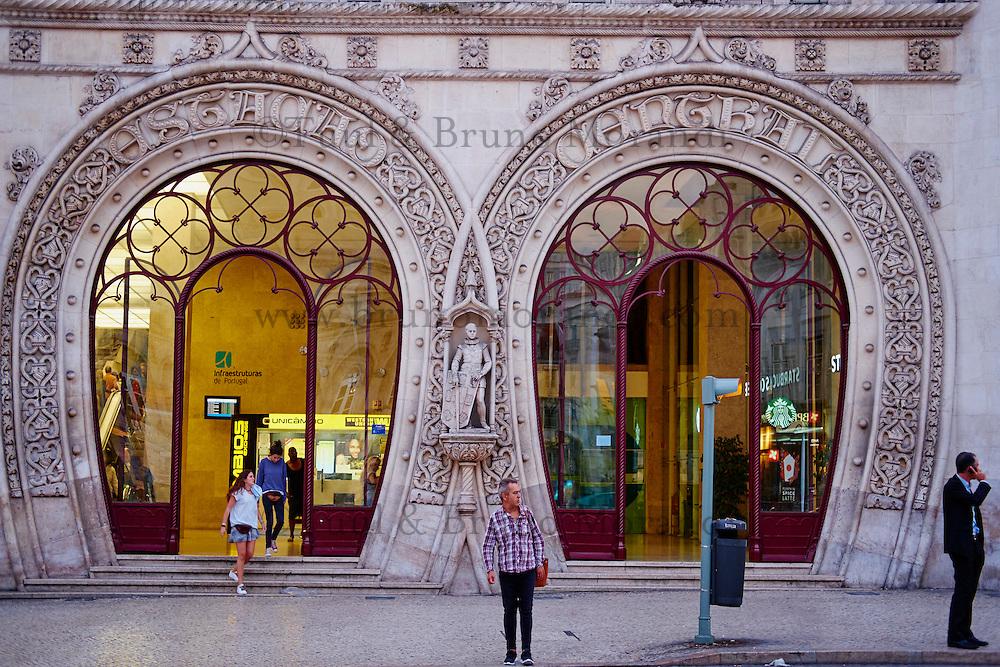 Portugal, Lisbonne, façade de la gare du Rossio construite en 1886 par l'architecte José Luis Monteiro en style néomanuélin // Portugal, Lisbon, Rossio railway station by the architect Jose Luis Monteiro, neo-Manueline style