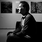 Nederland Rotterdam 13 juni 2007 .Frits Gierstberg, bijzonder hoogleraar fotografie en hoofd tentoonstellingen van het Nederlands Fotomuseum poseert in expositiezaal van het Nederlands Fotomuseum..Foto David Rozing