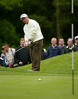 Photograph: Scott Heavey<br />Volvo PGA Championship At Wentworth Club. 23/05/2003.<br />Ian Woosnam chips in on the 1st.