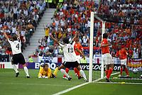 Fotball<br /> Euro 2004<br /> Portugal<br /> 15. juni 2004<br /> Foto: Dppi/Digitalsport<br /> NORWAY ONLY<br /> Gruppe D<br /> Tyskland v Nederland<br /> TORSTEN FRINGS 'S GOAL (GER)
