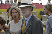 Earl and Countess of Cowdray, Veuve Clicquot Gold Cup 2006. Final day. 23 July 2006. ONE TIME USE ONLY - DO NOT ARCHIVE  © Copyright Photograph by Dafydd Jones 66 Stockwell Park Rd. London SW9 0DA Tel 020 7733 0108 www.dafjones.com