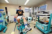 DESCRIZIONE : Championnat de France Pro a Poitiers Musculation 14 h <br /> GIOCATORE : Evan Fournier<br /> SQUADRA : Poitiers<br /> EVENTO : Magazine Pro A<br /> GARA : <br /> DATA : 14/12/2011<br /> CATEGORIA : Basketball France Homme  Magazine Poitiers <br /> AUTORE : JF Molliere<br /> Galleria : France Basket 2011-2012 Magazine<br /> Fotonotizia : Championnat de France Basket Pro A Poitiers Musculation 14 h Hopital<br /> Predefinita :