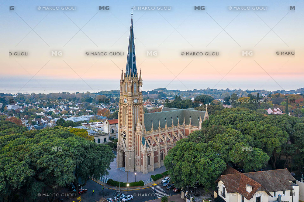 FOTOGRAFIA AEREA DE LA CATEDRAL DE SAN ISIDRO, SAN ISIDRO, PROVINCIA DE BUENOS AIRES, ARGENTINA (PHOTO BY © MARCO GUOLI - ALL RIGHTS RESERVED. CONTACT THE AUTHOR FOR IMAGE REPRODUCTION)