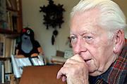 Prag/Tschechische Republik, CZE, 23.08.06: ZDENEK MILER, der große alte Mann des tschechischen Trickfilms in seinem Atelier. Miler ist Autor des kleinen Maulwurf, tschechisch «Krtek», bekannt in Deutschland vor allem aus der «Sendung mit der Maus».