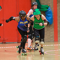 Auld Reekie B take on Spa Town Roller Girls on Day 4 of the Womens Tier 3 North British Championships at North Bridge Leisure Centre, Halifax, 2017-05-21