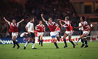Norway celebrate their equalising goal by Kjetil Rekdal. Norway v England, 14/10/92. Credit: Colorsport
