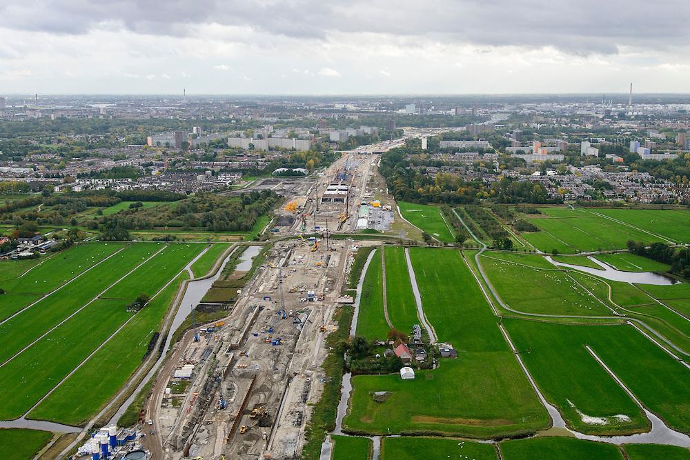 Nederland, Zuid-Holland, Midden-Delfland, 23-10-2013; aanleg van de verlengde A4 (A4 Delft-Schiedam) gezien naar Schiedam-Vlaardingen.<br /> Construction of the extended A4 (A4 Delft-Schiedam) between Vlaardingen and Schiedam.<br /> luchtfoto (toeslag op standaard tarieven);<br /> aerial photo (additional fee required);<br /> copyright foto/photo Siebe Swart.