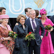 NLD/Makkum/20080430 - Koninginnedag 2008 Makkum, koninging Beatrix en prinses Margriet en partner Pieter van Vollenhoven, Laurentien