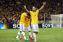 Fred comemora gol na partida entre Brasil e Espanha, válida pela final da Confederações 2013, no estádio Maracanã, no Rio de Janeiro. FOTO: Jefferson Bernardes/Preview.com