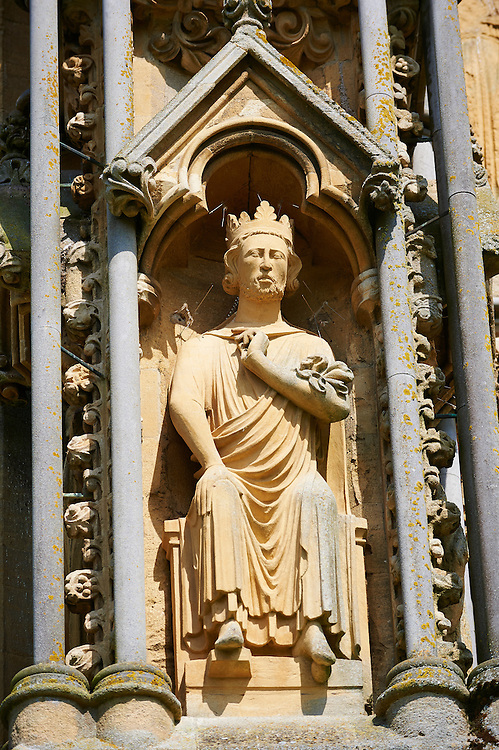 Statues on the facade of the the medieval Wells Cathedral built in the Early English Gothic style in 1175, Wells Somerset, England