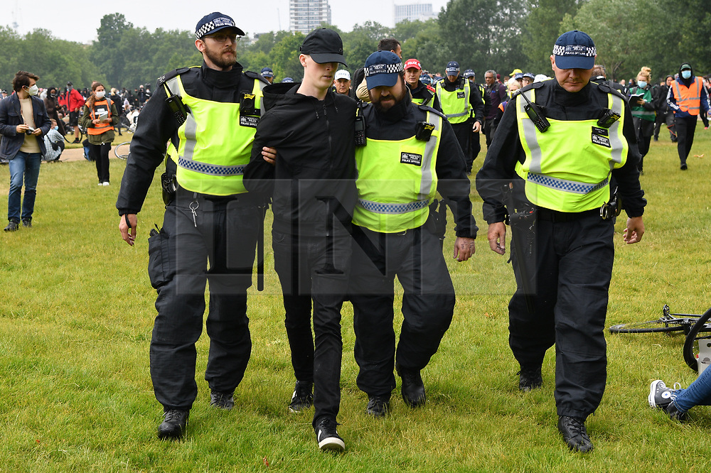 © Licensed to London News Pictures. 12/06/2020. London, UK. Protesters are arrested at a demonstration organised by Black Lives Matter in for the American George Floyd who died whilst being arrested by US policemen Derek Chauvin. The death of George Floyd has caused civil unrest in some US cities. Photo credit: Ray Tang/LNP
