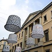 Il FuoriSalone 2010 nelle vie di centrali Milano..Via Montenapoleone