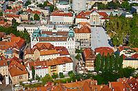 Slovénie, Ljubljana, capitale de la Slovénie, panorama sur la ville et la Place de l'Etoile // Slovenia, Ljubljana, cityscape with Kongresni Square