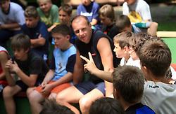 Vratar Gorazd Skof ima vprasanja na obisku na otroski rokometni akademiji Urosa Z. v Dolenjskih toplicah, 27. junija 2008, Dolenjske toplice, Slovenija. (Photo by Vid Ponikvar / Sportal Images)