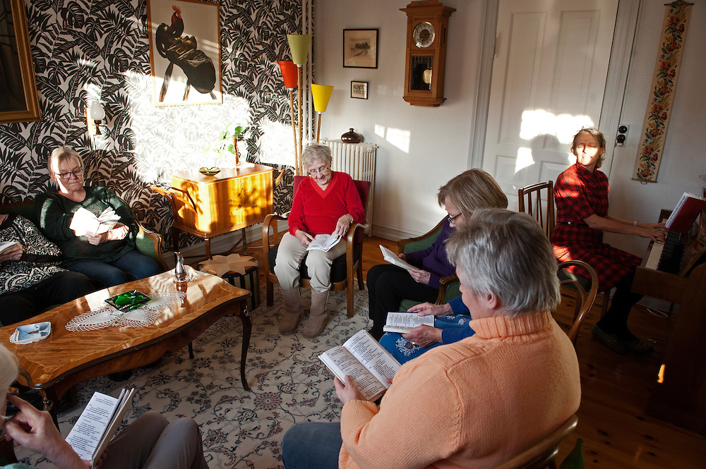 The Old City. Aarhus, Denmark has furnished a full family apartment in a complete 1950s setting in order to give elderlypeople, suffering from seniledementia, a special experience.