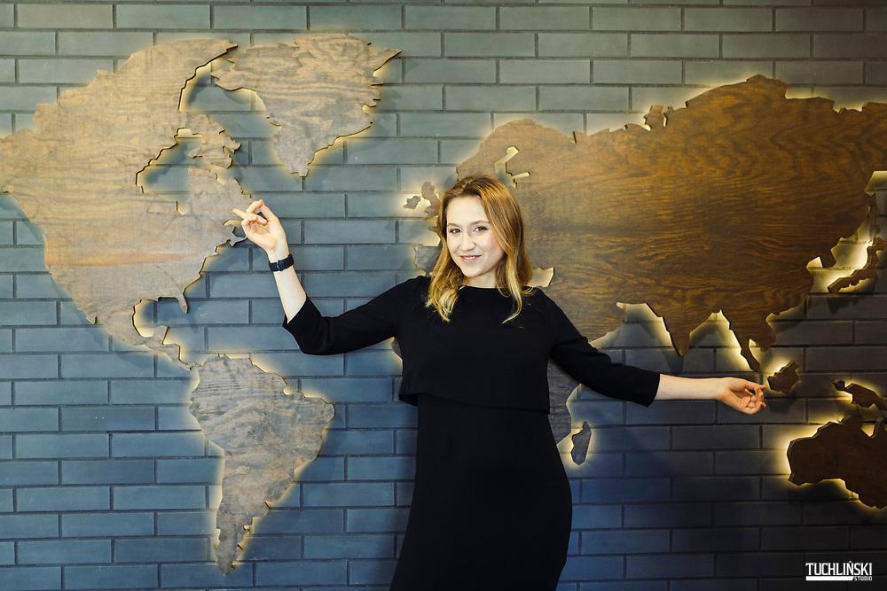 Warszawa, Polska. 23.08.2019r. <br /> Forbes 30 under 30. Marta Szczerba inwestorka z Funduszu private equity KKR.<br /> Fot. Adam Tuchlinski dla Forbes