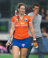 AMSTELVEEN - HOCKEY - Eline Florie van Bl'daal tijdens de eerste competitiewedstrijd van het nieuwe seizoen tussen de vrouwen van Pinoke en Bloemendaal. COPYRIGHT KOEN SUYK