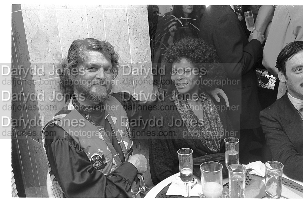 VISCOUNT WEYMOUTH; MARQUESS OF BATH; SYLVANA HENRIQUES, Nell Gwyn Leisure club launch party. Sloane ave, 17 December 1986.<br /> <br /> SUPPLIED FOR ONE-TIME USE ONLY> DO NOT ARCHIVE. © Copyright Photograph by Dafydd Jones 248 Clapham Rd.  London SW90PZ Tel 020 7820 0771 www.dafjones.com