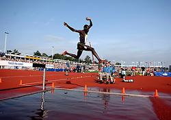 26-05-2007 ATLETIEK: THALES FBK GAMES: HENGELO<br /> Steeple chase - atletiek item creative illustratief / Paul Kipsiele Koech KEN<br /> ©2007-WWW.FOTOHOOGENDOORN.NL