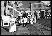 Lady Anne and Mr. Matthew Carr. Wedding at Badminton. 26 March 1988. Film 88231f24<br /> © Copyright Photograph by Dafydd Jones<br /> 66 Stockwell Park Rd. London SW9 0DA<br /> Tel 0171 733 0108